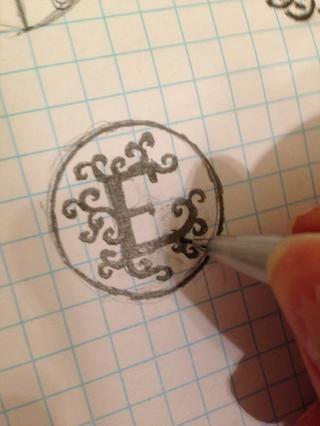 Dibuja sobre el diseño de manera que las líneas son thick-- líneas finas no transfieren bien.