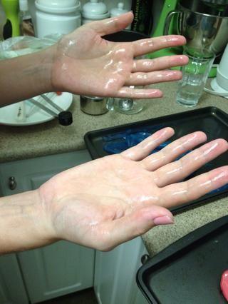 Mantequilla tus manos.
