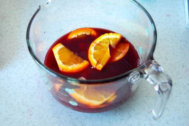Refrigere por un mínimo de cinco horas, recomiendo una noche para el gusto óptimo :)