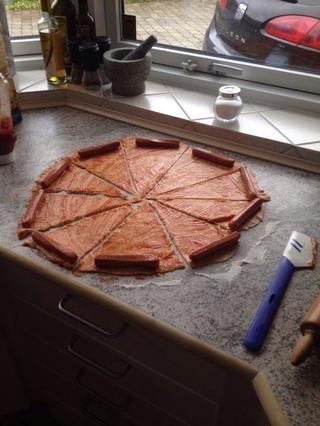 Añadir uno salchichas a cada triángulo