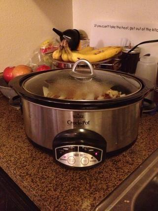Cocinar a fuego lento durante 6-8 horas, o hasta que cayendo a pedazos tiernos.