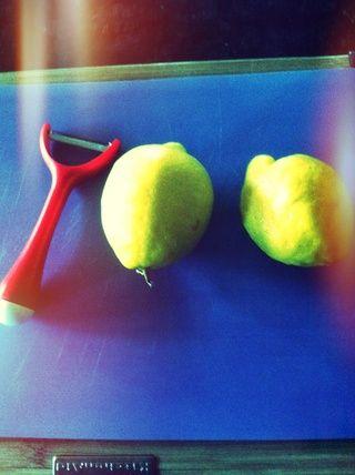 Tiempo de pelar los limones