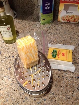 Rallar tanto sus bloques de queso ...