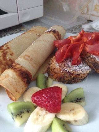 Voila! Ahora puedes disfrutar de panqueques con una guarnición de frutas y impresionante Torrijas (de Qué Rica Vida guía) ...