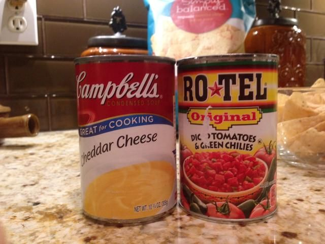 Finalmente, se'll make half-calorie Nacho cheese dip using these two ingredients.