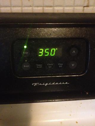 Precaliente el horno a 350 F (180 C)