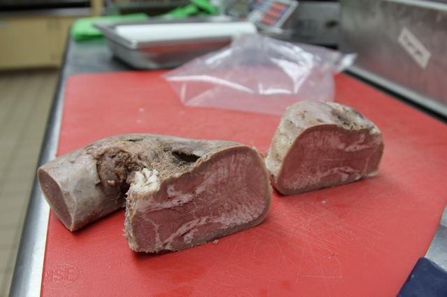 Usted puede ver cómo cocinado uniformemente la carne es