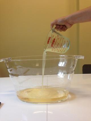 3/4 tazas de jugo de limón recién exprimido.