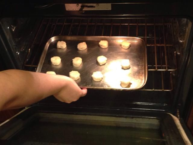 Ponga la cacerola en el horno y el tiempo de 14 minutos.