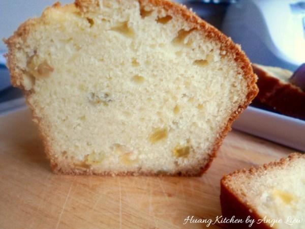 Esta hogaza de pan de soda tiene una consistencia densa con una licitación, ligeramente interior húmedo y es una opción perfecta para servir con la sopa, el chile o estofado.