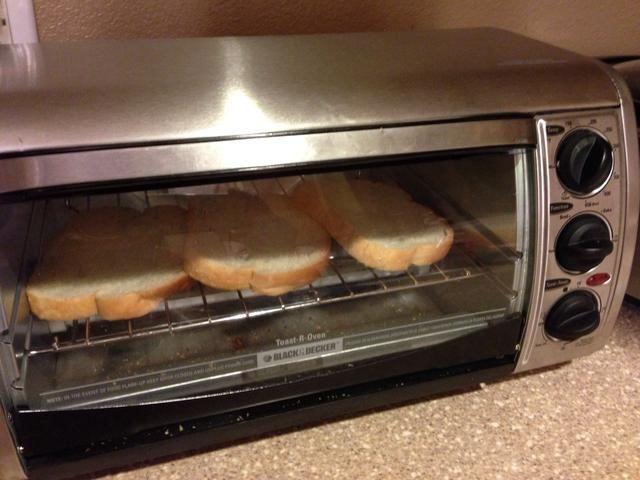 Daremos pan en la tostadora ...