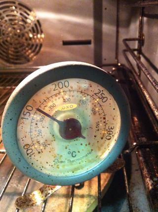 Precaliente el horno a 325.