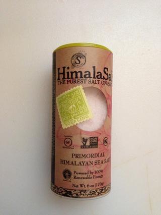 2 pizcas de sal marina del Himalaya o cualquier otra sal de mesa
