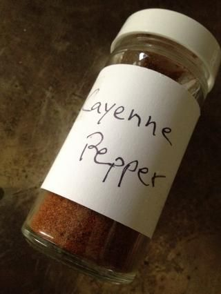 si tu're looking for a bit of a kick, add a dash or two of cayenne (optional).