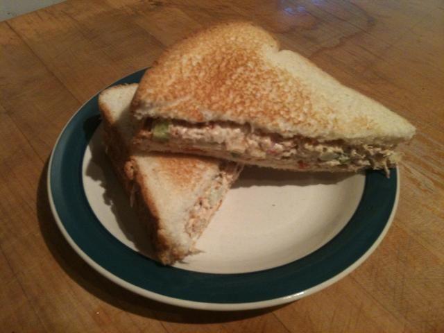Disfrute de su sándwich de atún !!
