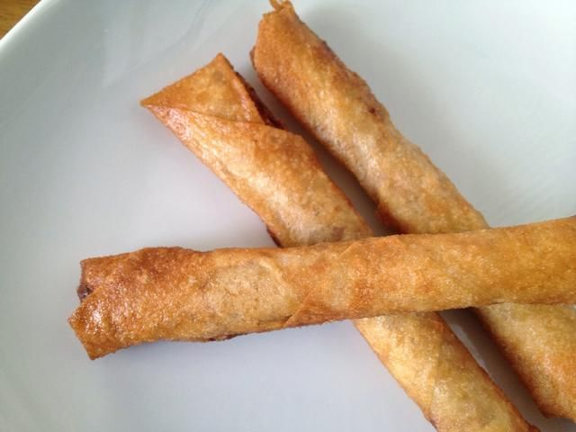 y aquí's our crunchy & yummy shrimp and pork spring roll. you may dip these in ketchup, sweet chili-garlic sauce, or vinegar with chopped chilis. enjoy!