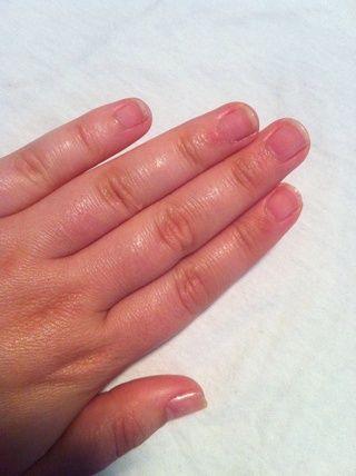 Asegúrese de que las manos y las uñas son absolutamente limpio y listo para las obras!