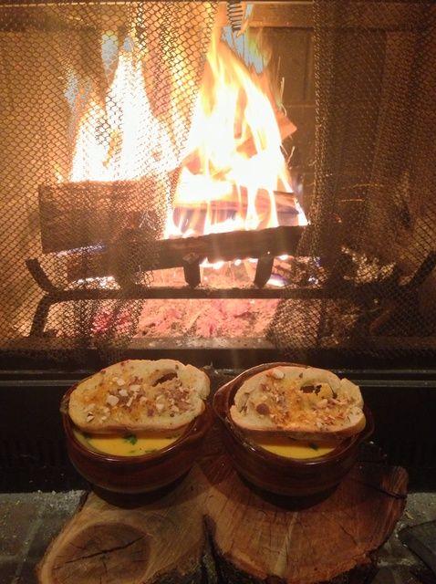 Cómo hacer Sopa de calabaza con Harissa y almendra Crostini Receta