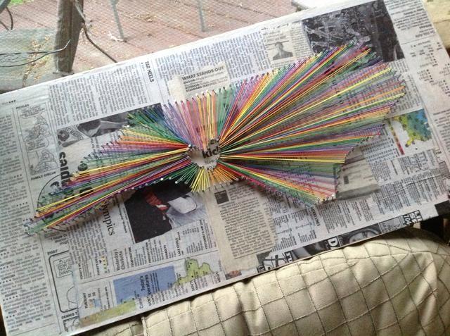 Este es otro ejemplo que hice de Carolina del Norte con un periódico fondo podge mod y la cadena de arco iris.