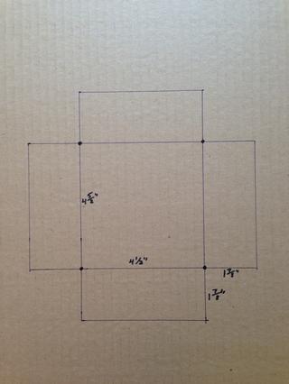 Esbozar plantilla de acuerdo con dimensión medida. Hice las 4 aletas para ser 1 7/8