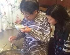 Pruebe el caldo y añadir sake, mirin, salsa de soja, según sea necesario. Beba cualquier causa reservado!