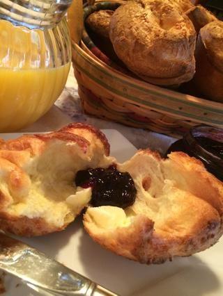 Sirva inmediatamente con mantequilla y mermelada de arándanos caseros. ¡Oh muy bueno! ¡Disfrutar! ??????
