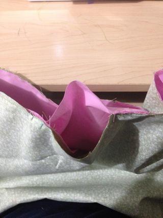 Esta es la abertura que se va a utilizar para tirar de la bolsa a través de hacer que la derecha hacia fuera.