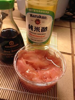 La salsa de soja, el jengibre y vinagre de arroz!