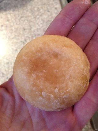 He añadido el azúcar de palma tarde, porque quería que las manzanas a convertir en puré. Eso no va a suceder si se añade azúcar al principio. Lo mismo ocurre cuando usted está haciendo salsa de manzana, espera con el azúcar.