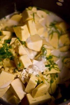 Añadir en, El jugo de 1 limón, sal al gusto, Suba el fuego y llevar todo a un fuerte ebullición.