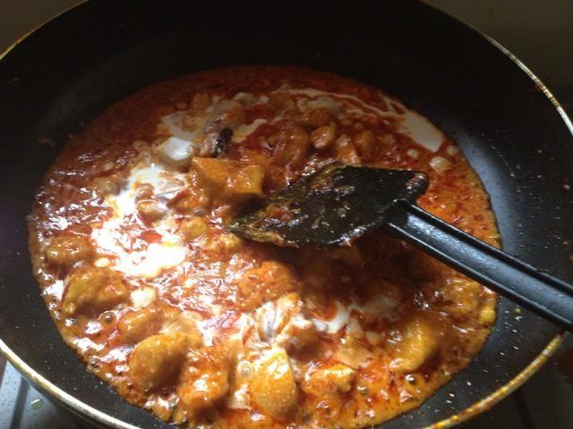 Mezcle bien y cocine por 5 minutos.