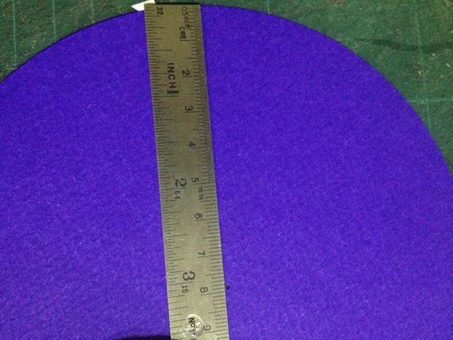 Mida el diámetro, se divide en 2, y 0.5-1cm menos.