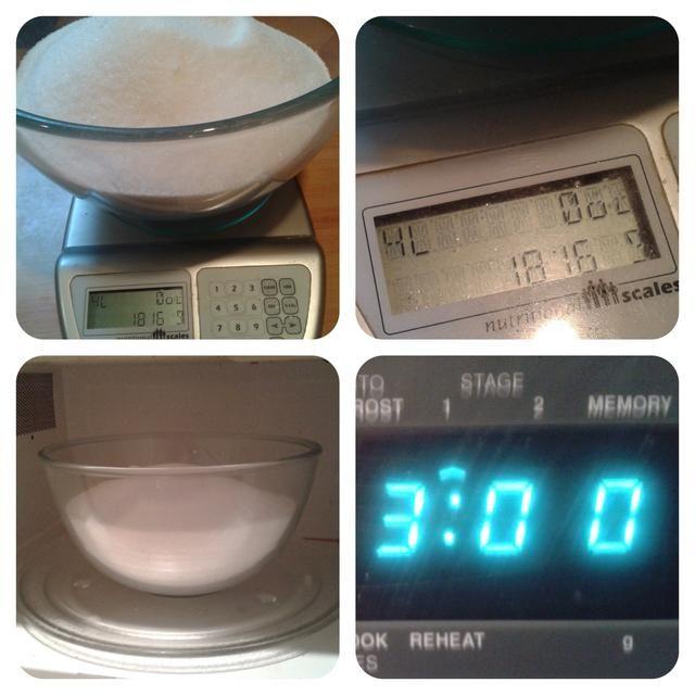 Vierta el azúcar en un recipiente apto para microondas y caliente en el microondas - a unos 3 minutos a lo alto, esto depende de la potencia de microondas, a fin de mantener una estrecha vigilancia sobre el azúcar.