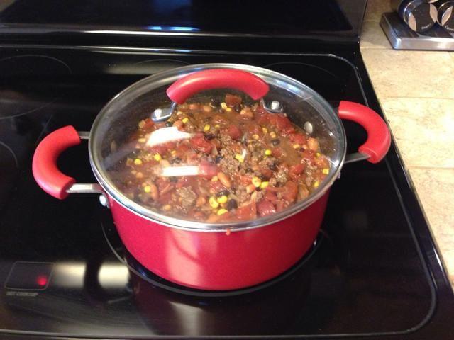 Llevar a ebullición, luego cocine a fuego lento.