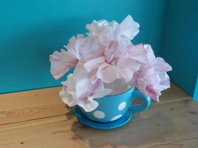 Cómo hacer té teñidos flores de papel