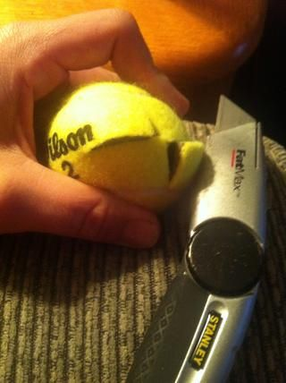 Cuando se mire las pelotas de tenis tener mucho cuidado - incisión lento - y empezar poco a poco con X figura.