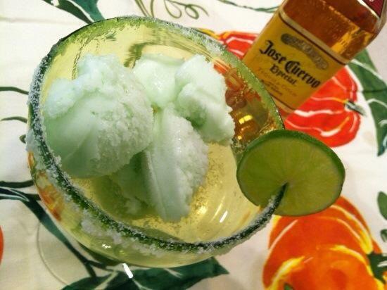 Adorne con una rodaja de limón y servir con una cuchara. Misericordia, que's good!