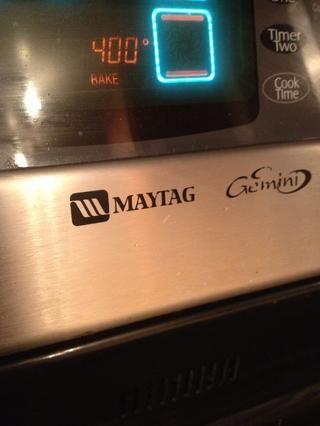 Precaliente el horno a 400F.