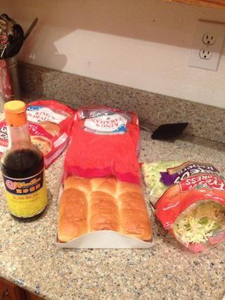 Reúna sus ingredientes sándwich juntos ..,
