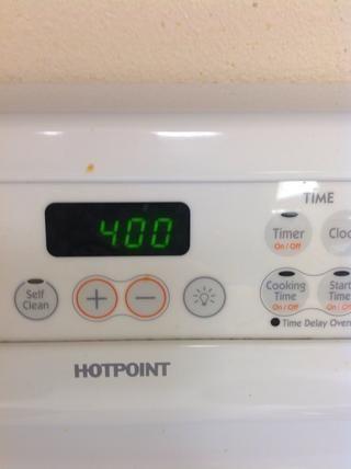 Precaliente el horno a 400 grados, empuje empezar!