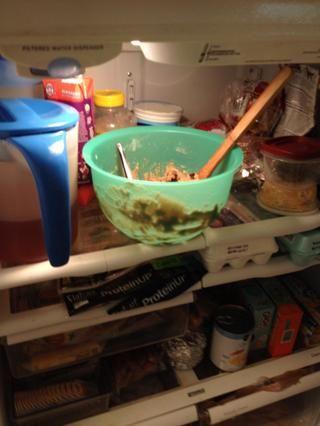 Entre los lotes poner su masa para galletas en el refrigerador por lo que ganó't get too soft.