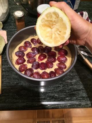 Espolvorear un poco de jugo de limón fresco en la parte superior (aproximadamente 2 cucharadas).