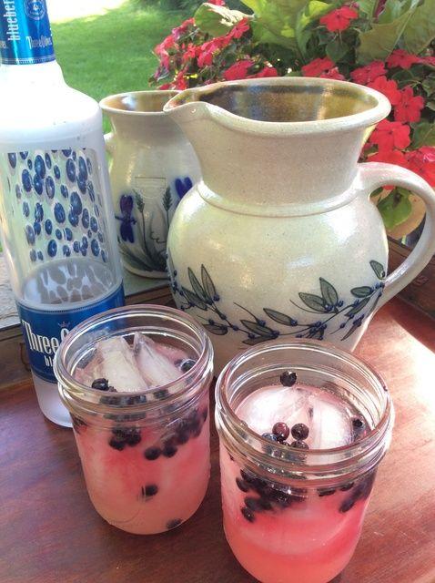 Cómo hacer la receta perfecta de verano Blueberry Limón-Vodka-Ade