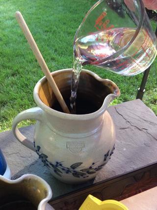 Añadir 1 taza más de agua fría.