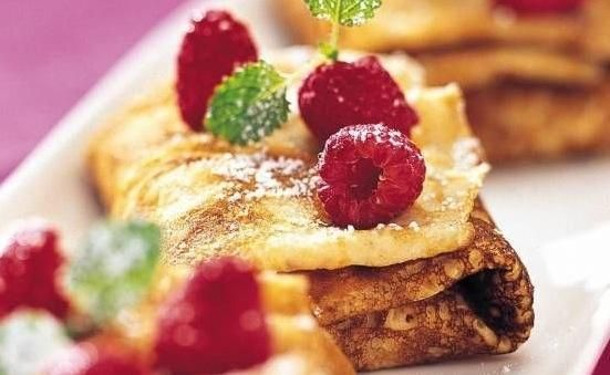 Añadir un poco de fruta / azúcar / mermelada en los panqueques y disfrutar