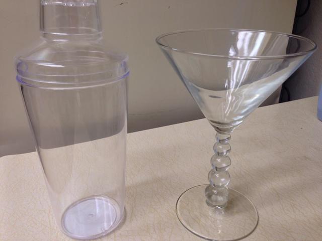 Coctelera y Vidrio Uso copa coctelera para medir su consumo de alcohol