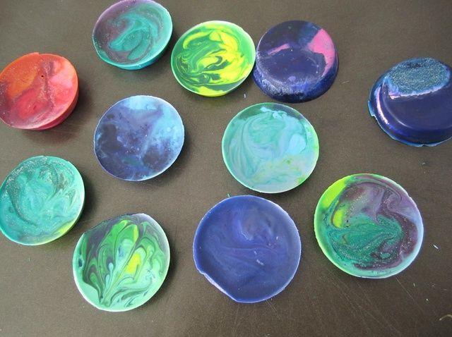 Cómo hacer Tie-Dye Crayones
