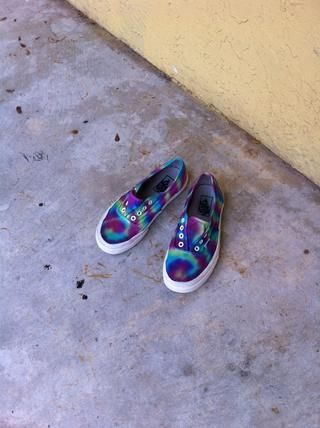 Después de su hecho, coloque los zapatos en una bonita zona de sol para secar