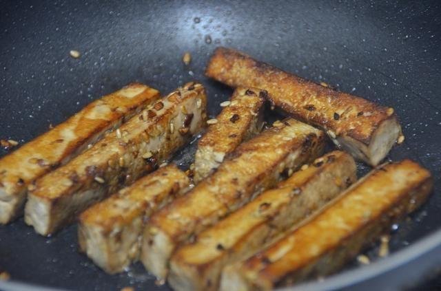 Hasta su agradable y fresco. Asegúrese de darse la vuelta y cocinar todos los minutos sides.two cada lado.