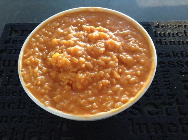 mover el risotto en un tazón.
